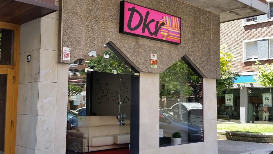 tienda_sofas_sillones_colchones_decoracion_Vitoria_DKR_entra_conocenos